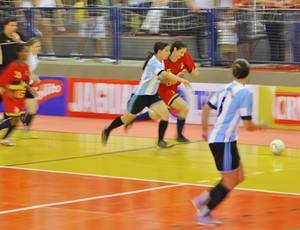 Copa TV TEM - disputa de bola em Potirendaba x José Bonifácio (Foto: Santiago Garcia/TV Tem)