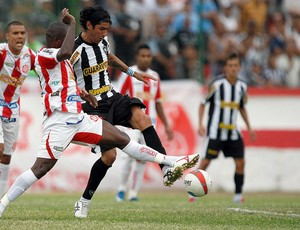 Loco Abreu Botafogo x Bangu (Foto: Fabio Castro / AGIF)