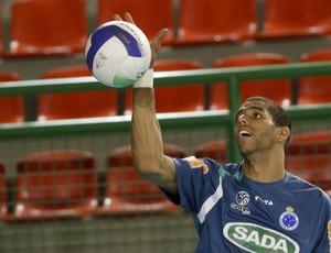 Wallace treino Cruzeiro vôlei (Foto: Washington Alves/VIPCOMM)
