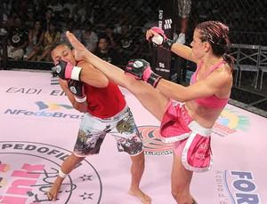 Kaká Naja no Pink Fight (Foto: Pink Fight/Divulgação)
