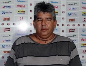 Major Flávio Bione, diretor de segurança patrimonial do Santa Cruz (Foto: Pedro Costa / GloboEsporte.com)