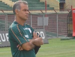 Técnico Jorginho, da Portuguesa, no Canindé (Foto: Rodrigo Faber/ Globoesporte.com)