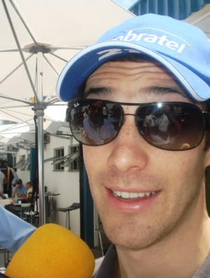 Bruno Senna chega a Interlagos