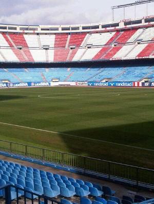 reprodução twitter Elias estádio vicente calderon atlético de madri (Foto: Reprodução / Twitter)
