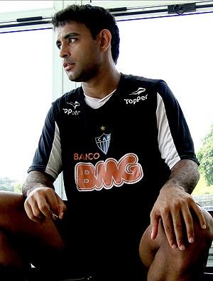 zagueiro Werley atlético-mg, recém-casado, sem aliança no dedo (Foto: Lucas Catta Prêta / Globoesporte.com)