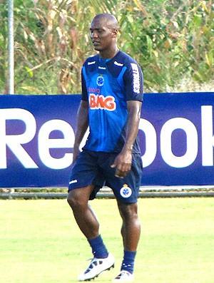 Gilberto no treino do Cruzeiro