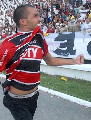 Thiago Cunha gol Santa cruz (Foto: Futura Press)