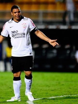 Ronaldo Corinthians x Tolima (Foto: Marcos Ribolli / Globoesporte.com)
