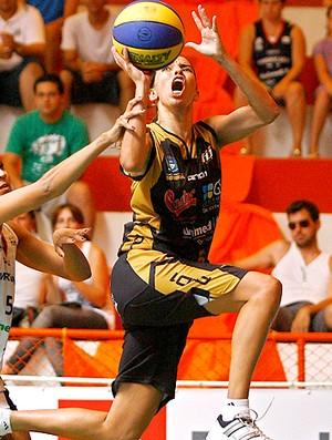 Bethania  Ourinhos basquete (Foto: Divulgação/LBF/MF2)