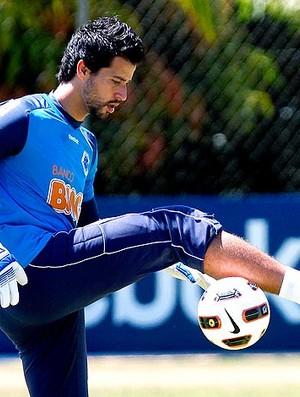 Fábio no treino do Cruzeiro (Foto: Washington Alves / VIPCOMM)