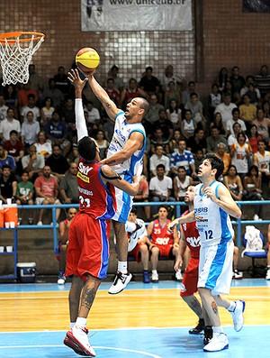 basquete nbb Alex Brasília contra o Pinheiros (Foto: Divulgação / Brito Junior)