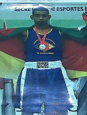 Foto de Tairone Silva, campeão brasileiro de boxe (Foto: Reprodução/Tv Globo)