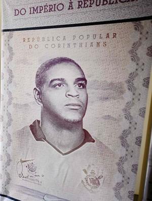 Apresenteção Adriano (Foto: Marcos Ribolli / Globoesporte.com)
