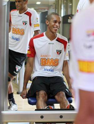 Miranda em treino no Reffis (Foto: João Neto / VIPCOMM)