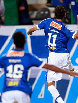 Estudiantes x Cruzeiro Comemoração (Foto: AP)