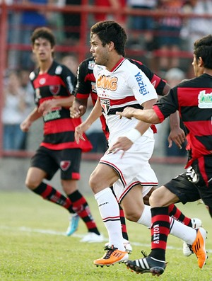 Henrique, atacante do São Paulo, contra o Oeste (Foto: Wander Roberto/VIPCOMM)