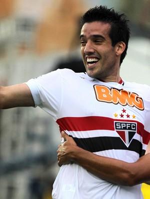 Isinho do São Paulo comemora gol contra Portuguesa (Foto: Vipcom)