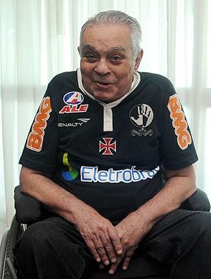 Chico Anysio com a camisa do Vasco (Foto: André Durão / GLOBOESPORTE.COM)