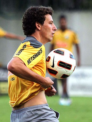 Elano no treino do Santos (Foto: Fernando Pilatos / Globoesporte.com)