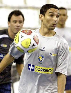 Valdin, no treino da seleção de futsal (Foto: Divulgação / CBFS)
