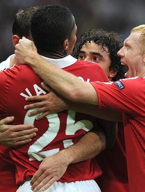 Valencia comemora gol do Manchester United contra o Schalke (Foto: AFP)