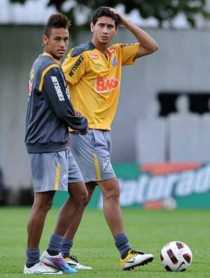 ganso neymar santos treino (Foto: Ricardo Saibun / Site Oficial do Santos)