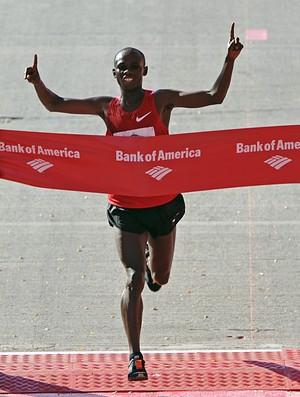 Samuel Wanjiru na Maratoan de Chicago 2010 (Foto: agência getty image)