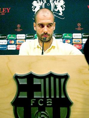 Pep Guardiola durante coletiva do Barcelona para a final da Liga  (Foto: EFE)