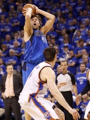 Dirk Nowitzki, do Dallas Mavericks (Foto: AP)