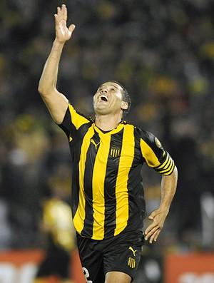 Dario Rodriguez gol Peñarol (Foto: AFP)