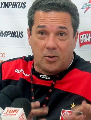 Luxemburgo durante entrevista do Flamengo (Foto: Janir Junior / GLOBOESPORTE.COM)