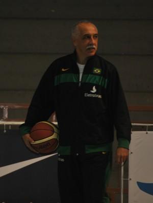 Ênio Vecchi técnico seleção basquete (Foto: João Gabriel Rodrigues / GLOBOESPORTE.COM)