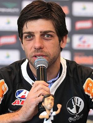 Juninho Pernambucano é apresentado no Vasco (Foto: Marcelo Sadio / Site Oficial do Vasco da Gama)