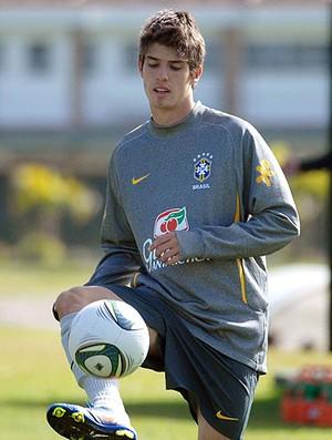 Lucas Piazon no treino da Seleção sub 17 (Foto: Alexandre Durão / GLOBOESPORTE.COM)