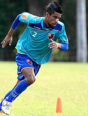 Léo Moura no treino do Flamengo (Foto: Fábio Borges / VIPCOMM)