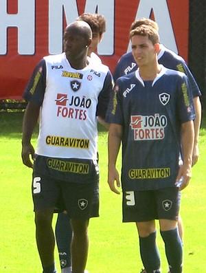 Somália no treino do Botafogo (Foto: Thiago Fernandes / GLOBOESPORTE.COM)