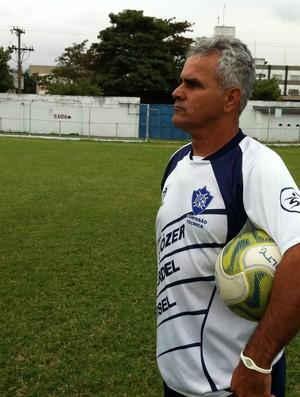 Vevé, técnico do Vitória-ES para a Copa ES (Foto: Guido Nunes / Globoesporte.com)