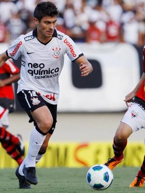 alex thiaguinho atlético-go x corinthians (Foto: Agência Estado)