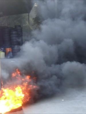 Stock Car: JL faz simulação de incêndio de Tuka Rocha (Foto: Divulgação)