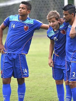 David, Thomás e Léo Moura treino Flamengo (Foto: Fla imagem)