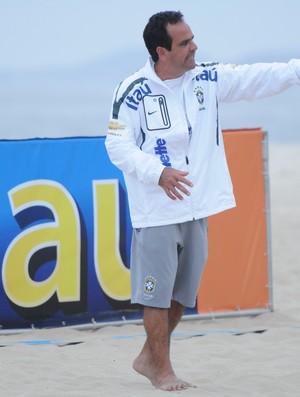técnico alexandre soares futebol de areia (Foto: CBBS / Divulgação)