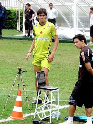 Victor Ramos no treino do Vasco (Foto: Fred Huber / GLOBOESPORTE.COM)