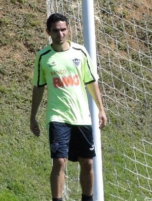 Meia Caio, do Atlético-MG (Foto: Tarcísio Badaró / Globoesporte.com)