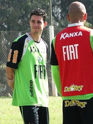 Alessandro no treino do América-MG (Foto: Valeska Silva / Globoesporte.com)