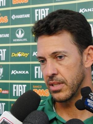 milagres, técnico do juniores e técnico interino do América-MG (Foto: Valeska Silva / Globoesporte.com)