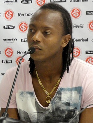 andrézinho em entrevista coletiva no internacional (Foto: Alexandre Alliatti/Globoesporte.com)