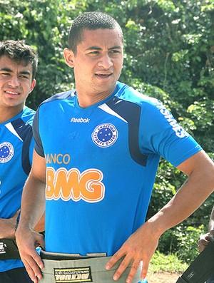 Wellington Paulista no treino do Cruzeiro (Foto: Lucas Catta Prêta / GLOBOESPORTE.COM)