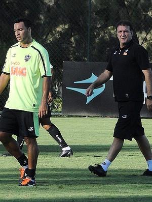 atlético-mg cuca daniel carvalho (Foto: Leonardo Simonini/Globoesporte.com)