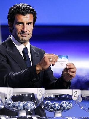 Figo no sorteio da Liga dos Campeões (Foto: AFP)