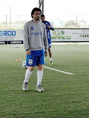 Lincoln no treino do Avaí em quadra coberta (Foto: Divulgação / Site Oficial)